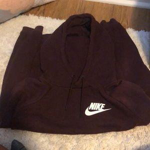 Nike sweatshirt maroon
